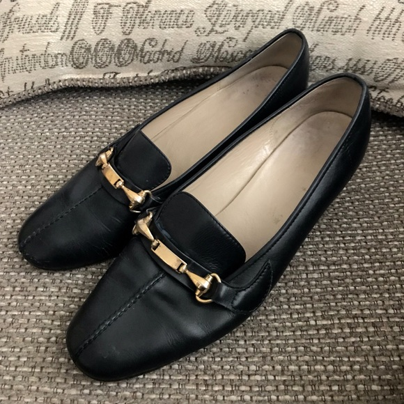 bb687f5bbeb Gucci Shoes - Authentic Gucci Italian Made Driving Loafers EU 39